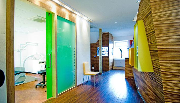 objects.sh Arztpraxis Behandlungsraum Türen