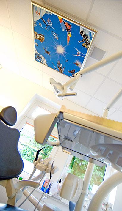 objects.sh Arztpraxis Behandlungszimmer Stuhl Deckenbild