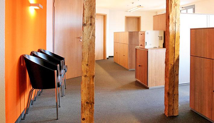 objects.sh Büroeinrichtung Empfang Wartebereich Schreibtisch