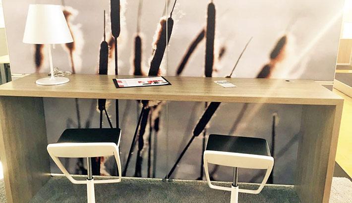 objects.sh Büroeinrichtung Tresen Barhocker Lesebereich