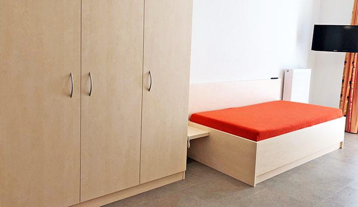 objects.sh Rehaklinik Einrichtung Bett Möbel Dekoration